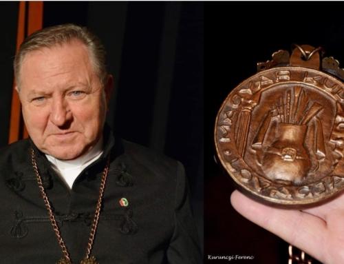 """Pr. Tivadar Sándor, preot paroh din Arad, a fost distins cu Ordinul de merit """"Cavaler al Culturii Maghiare"""""""
