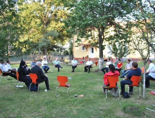 """""""Szolgáljunk mindenkit"""" – a temesvári egyházmegye pasztorációs irodáinak munkatársai találkoztak a Marienheim házban"""